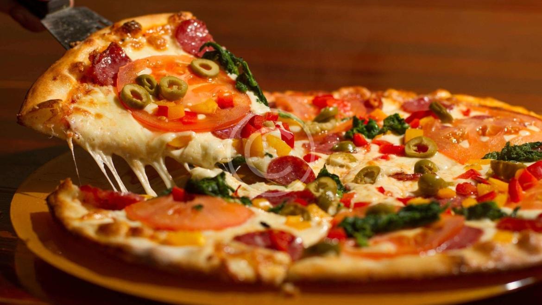 Pizza Restaurateurs: Start Your Calorie Counters